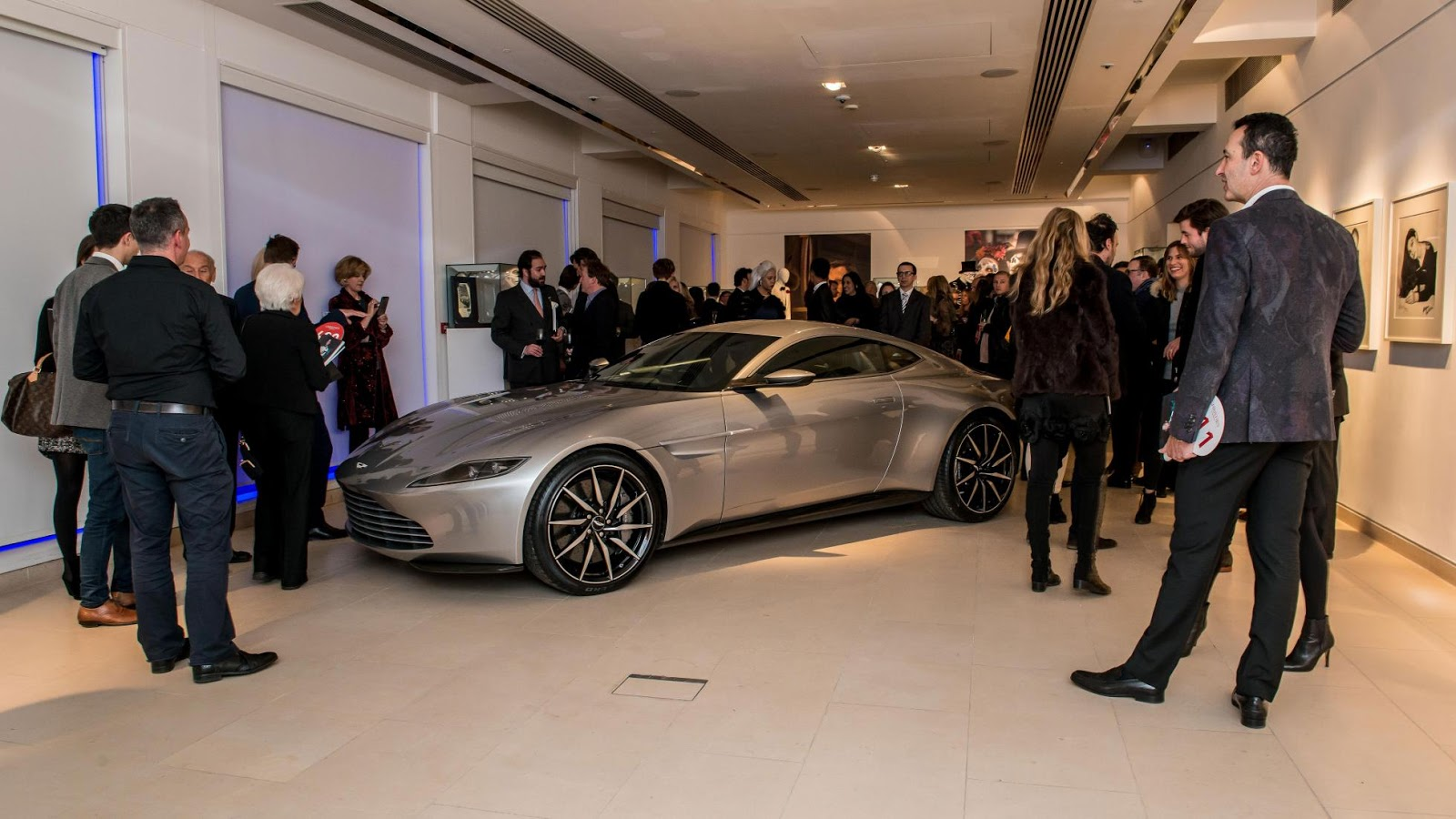 Vào cuối tháng 2/2016, nhà đấu giá Christie sẽ mang ra đấu giá siêu xe này