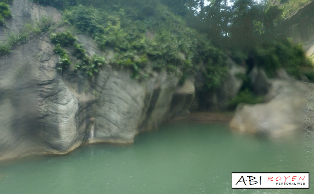 Tempat Wisata Di Bandung Yang Paling Hits Sanghyang Heuleut