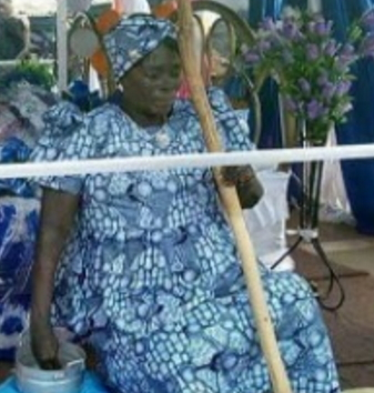 photo corpse dead ghanaian woman pounding yam