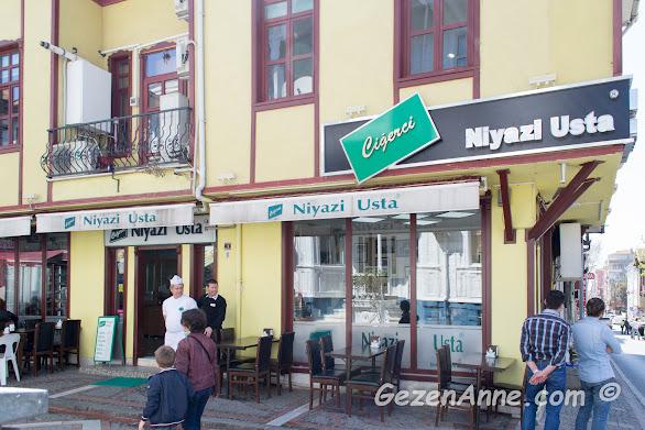 Edirne'nin en ünlü tava ciğercilerinden Niyazi Usta