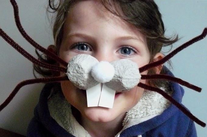 Máscara de nariz de coelhinho feita com caixa de ovo.