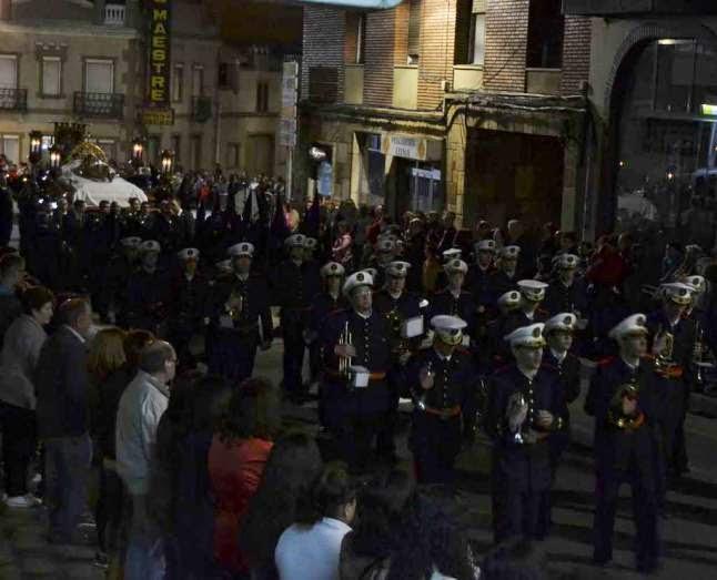http://www.laopiniondezamora.es/semana-santa/2015/04/01/tinieblas-templadas/833155.html#