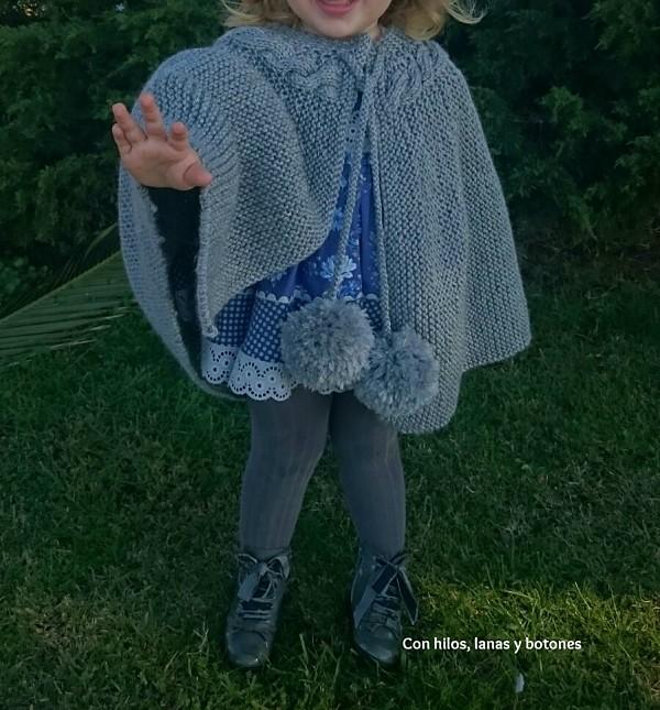 Capita de punto con trenza | Con hilos, lanas y botones