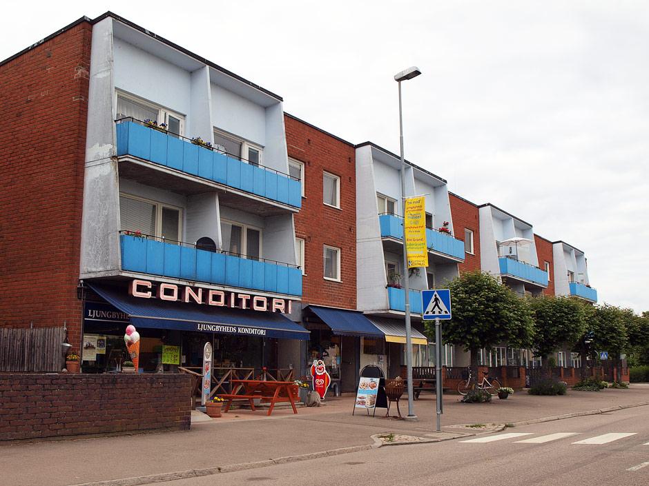 ljungbyhed guys Nej till flyktingar i ljungbyhed 653 suka men han bekräftar bara föraktet och likgiltigheten inför att det funnits miljoner svenskar som inte alls levt i.