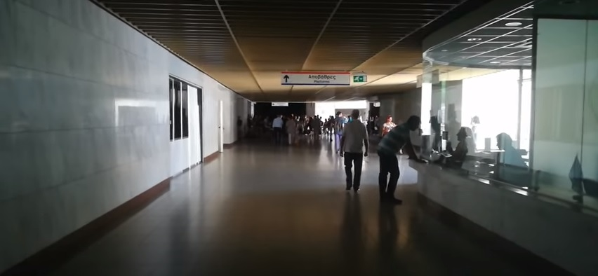 Τριτοκοσμική χώρα η Ελλάδα: Συσκότιση στο μετρό μετά τη διακοπή ρεύματος στην Αττική (βίντεο)