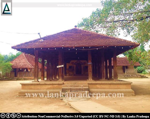 Embekke Devalaya, Kandy