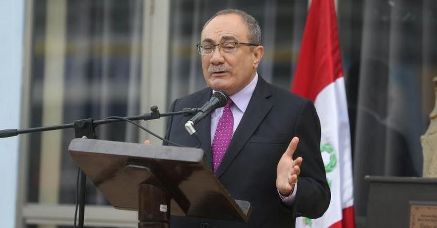 El Congreso hizo bien en dejarla en stand by «ley de modalidades formativas» (Idel Vexler Talledo) MINEDU - www.minedu.gob.pe