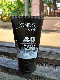Cara Mengkombinasikan Penggunaan Pond's Men White Boost Face Scrub