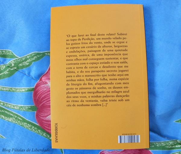 Resenha, livro, Liturgia-do-fim, Marilia-Arnaud, editora-tordesilhas, literatura-nacional, escritora-paraibana, capa, fotos, critica, opiniao, relações-familiares, trechos, contracapa