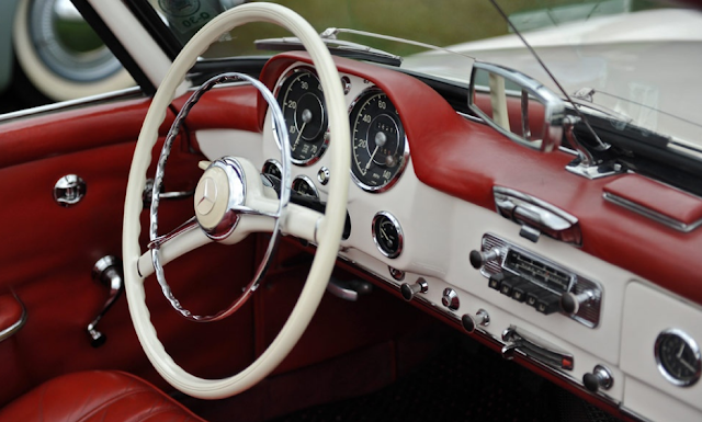 Mercedes 190 SL Interior