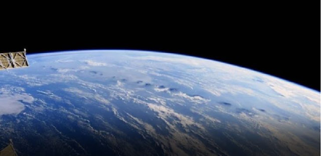 Astronot Amerika Bagikan Foto Gunung Api Indonesia dari Luar Angkasa