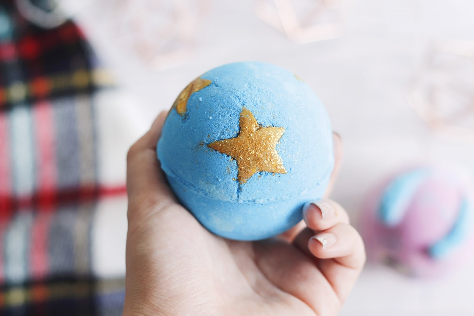 Lush Halloween & Christmas Haul - Shoot For The Stars Bath Bomb