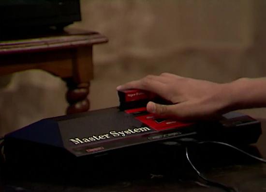 Resultado de imagem para Jogando Master System