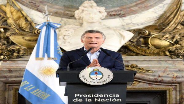 """Macri se va otra vez de vacaciones y luego pasa a un """"retiro"""""""