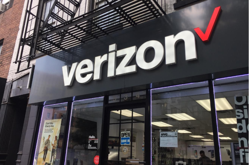 in a challenge to comcasts xfinity and atts u verse broadband and video residential services verizon will launch a 5g fixed wireless access service in