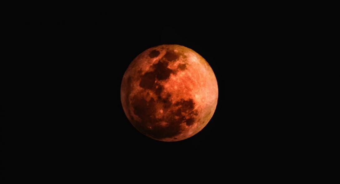 Έρχεται το εντυπωσιακό Σούπερ Ματωμένο Φεγγάρι του Λύκου