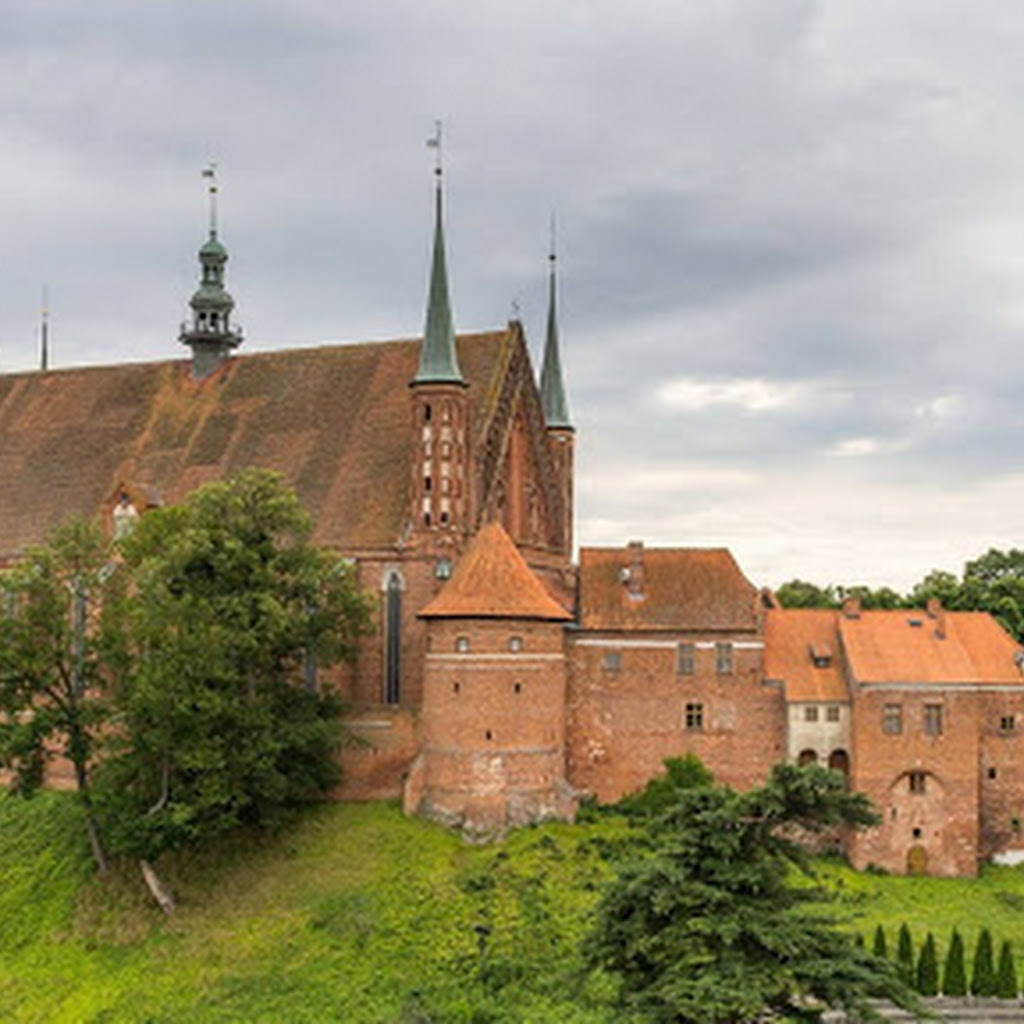Wycieczka do Fromborka: Te 15 miejsc warto zobaczyć.