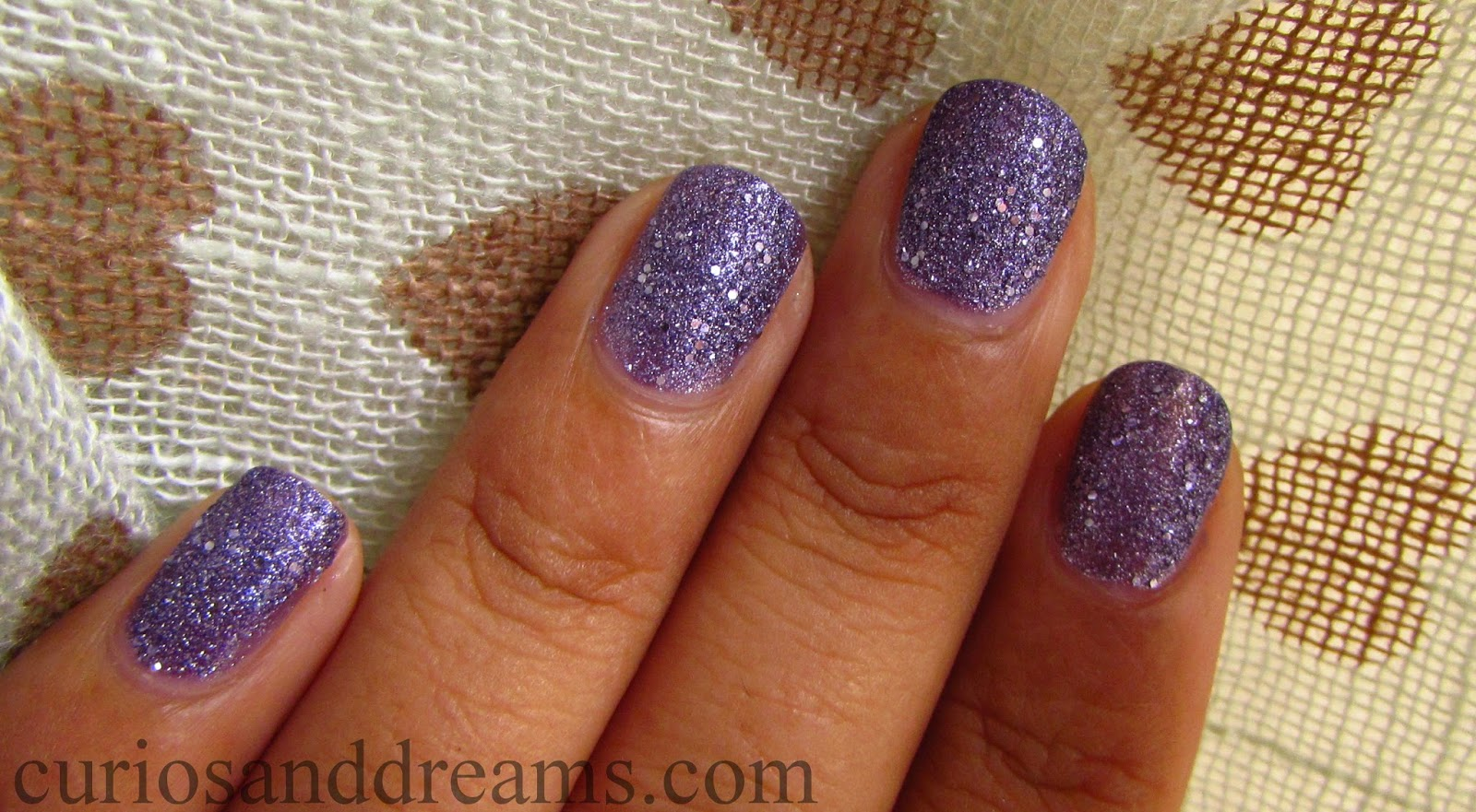 Maybelline Glitter Mania Paparazzi Purple review, Maybelline Glitter Mania Paparazzi Purple swatch