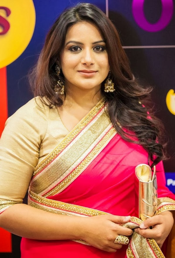 South Indian Hot Girl Pooja Gandhi Hip Navel Show Stills In Traditional Red Saree