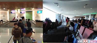 Boarding pass dan menunggu pesawat