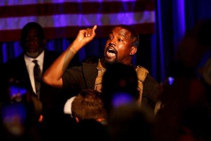 Kanye West contrata equipo de asesores políticos para su campaña presidencial
