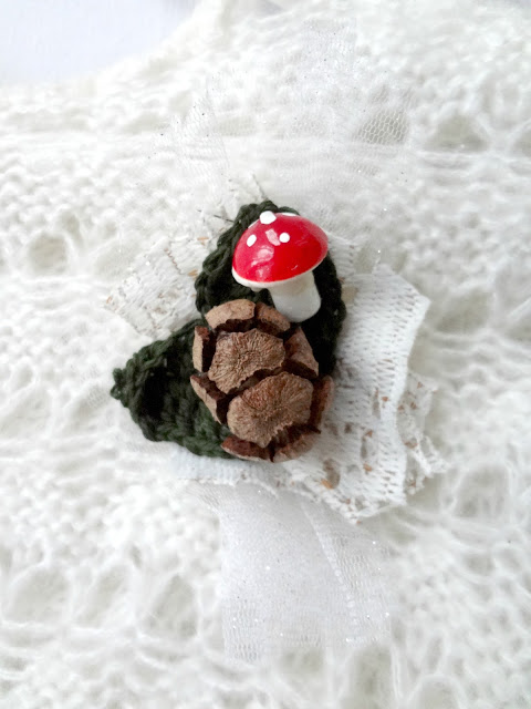 Make a Woodland Brooch