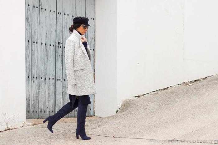 Look blogger moda valenciana Cómo combinar un Vestido de lana: Botas Over the knee y gorra marinera