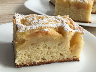 Ciasto odmierzane kubeczkiem z jabłkami