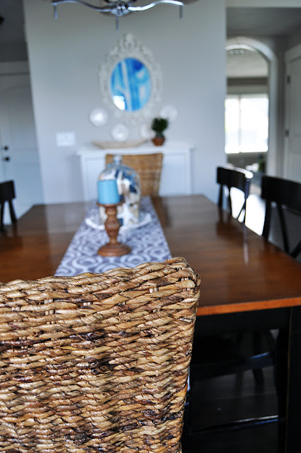 How to Mix and Match Dining Room Chairs with Jen Gallacher from www.jengallacher.com. #diningroom #chair #jengallacher