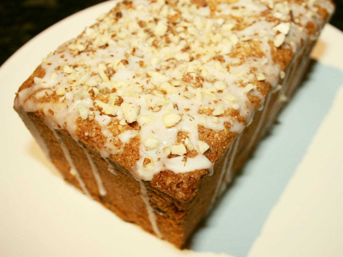 Cake And Loaf Recipes: CHERRY AND ALMOND LOAF CAKE