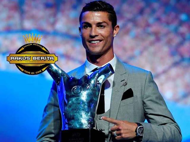 Ronaldo Bawa Pulang Dua Penghargaan TERBAIK !