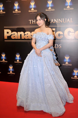 Silver Dress Prilly Latuconsina cantik dan super manis
