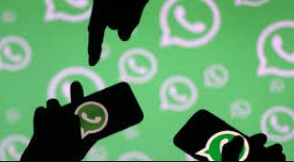 """WhatsApp e iMessagge: ecco i nuovi """"messaggi bomba"""" che congelano lo smartphone."""