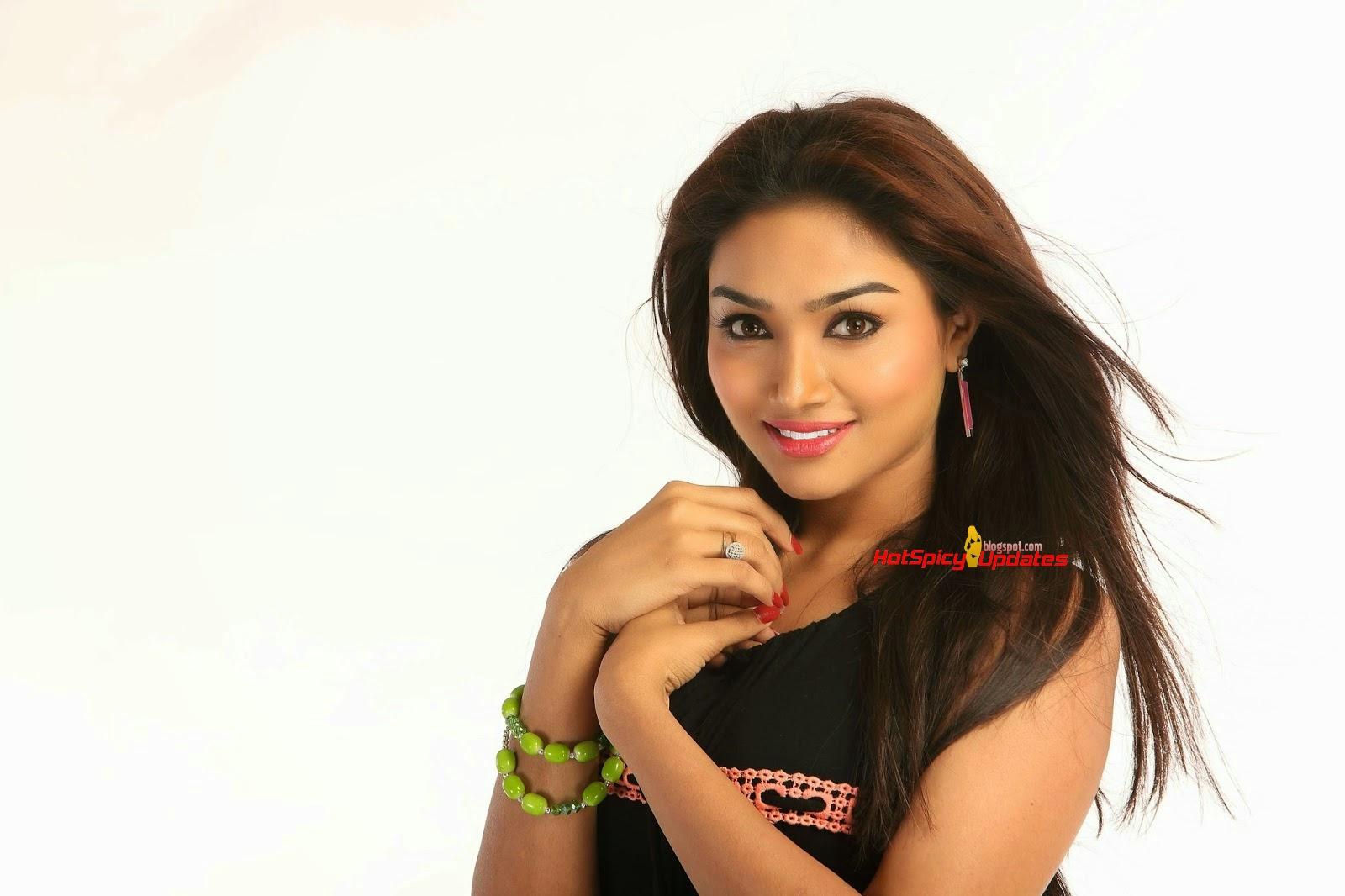 Aishwarya Devan Latest Hot Stills from Shankra Movie ...