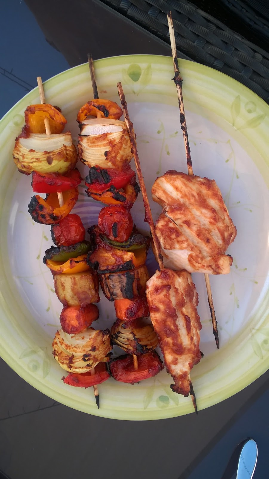 barbecue cleaning tips - the Husband's barbecued chicken kebabs