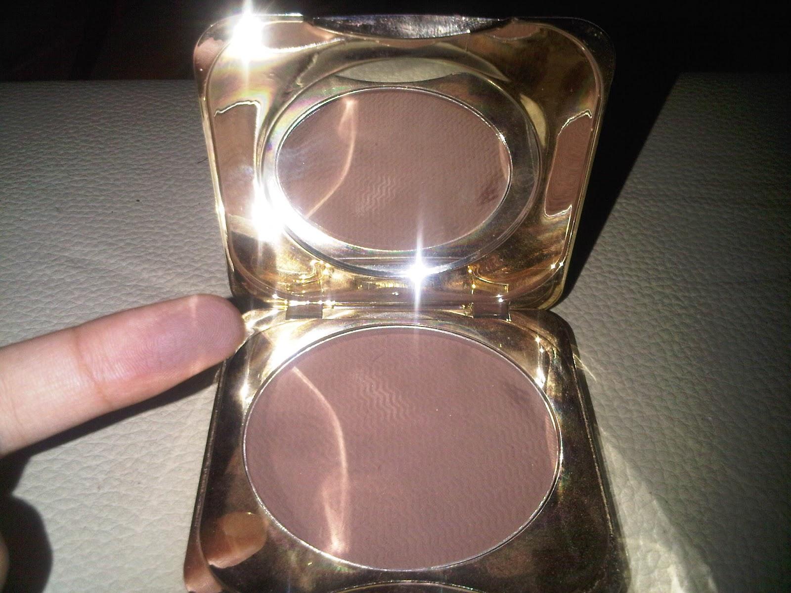 Fanbo Gold Classic Compact Powder 01 Coklat Mahakam