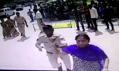 women-attack-on-docter-and-hospital-building-faridabad