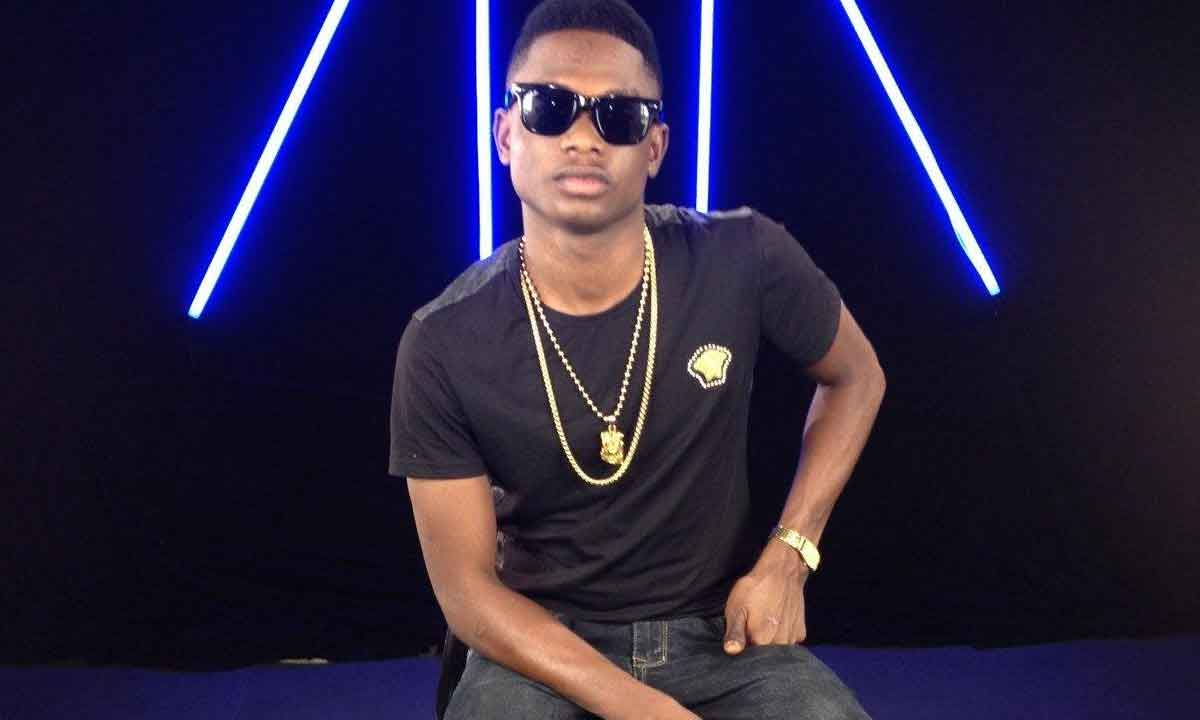 Former YBNL artiste , Lil Kesh is a Nigerian rapper that has done well for himself. The rapper was signed to YBNL that is owned by famous rapper, Olamide. Now a boss of his own, called Yaqi Records after his two years contract with YBNL expired.