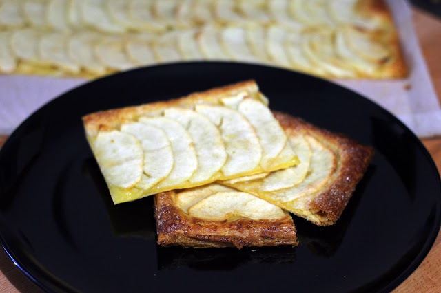 Τάρτα Μήλου με Σφολιάτα / Apple Tart with Pastry Puff - www.alwayshungry.gr