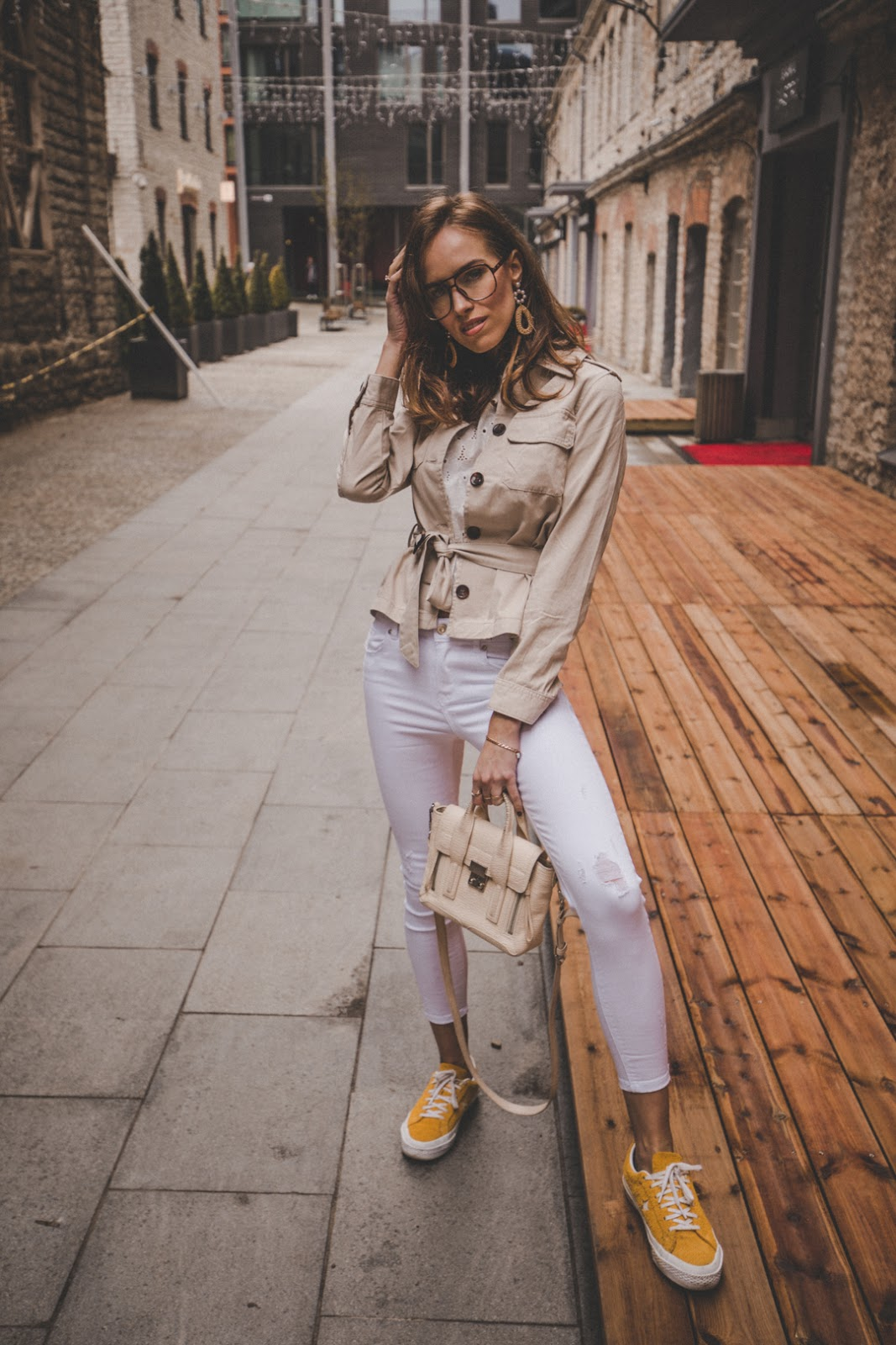 linen beige safari style jacket outfit spring trend