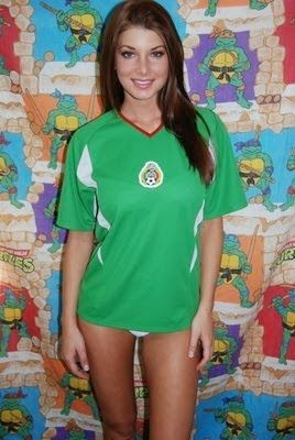 World Cup Brazil 2014: sexy hot girls football fan, beautiful woman supporter of the world. Pretty amateur girls, pics and photos  México mexicanas