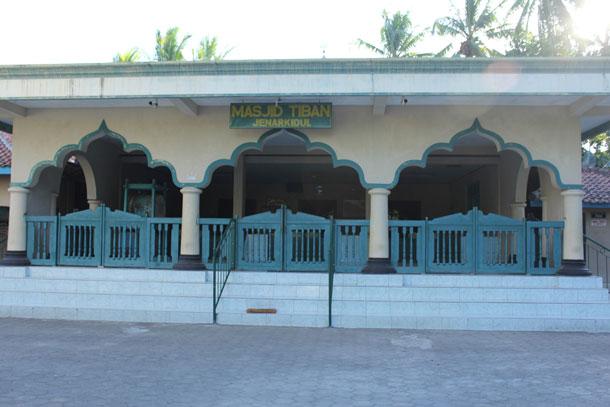 Nampak Depan Masjid Tiban Jenar