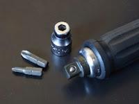 コーケンAG112Aショックドライバーの構成部品は少ないものの本体はほとんどが鉄で出来ているので重量感たっぷりです。