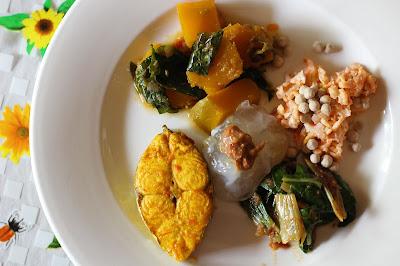 Menu tradisional di Lamin Dana, Linut, Umai, Ikan masak Kuning, Labu dan sambal belacan