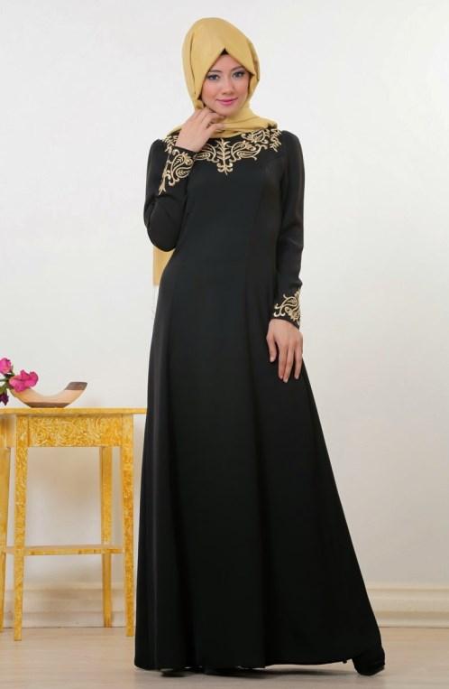 model IGO konsep foto hijab dalam ruangan dengan tips sederhana ligthing wisuda