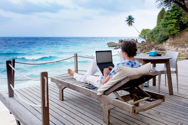 8 Ways to Thrive Your Career as a Digital Nomad!