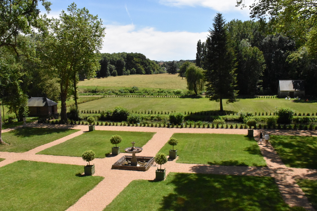 Amboise Daily Photo: the gardens of Château Gaillard
