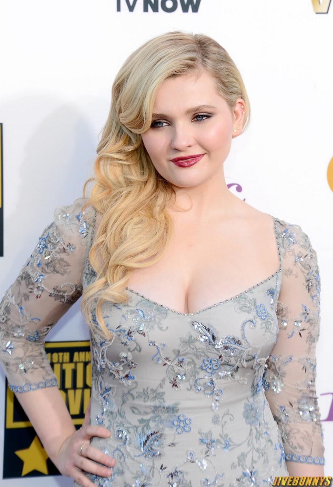 Gorgeous sexy Abigail breslin Critics Choice Awards 2014