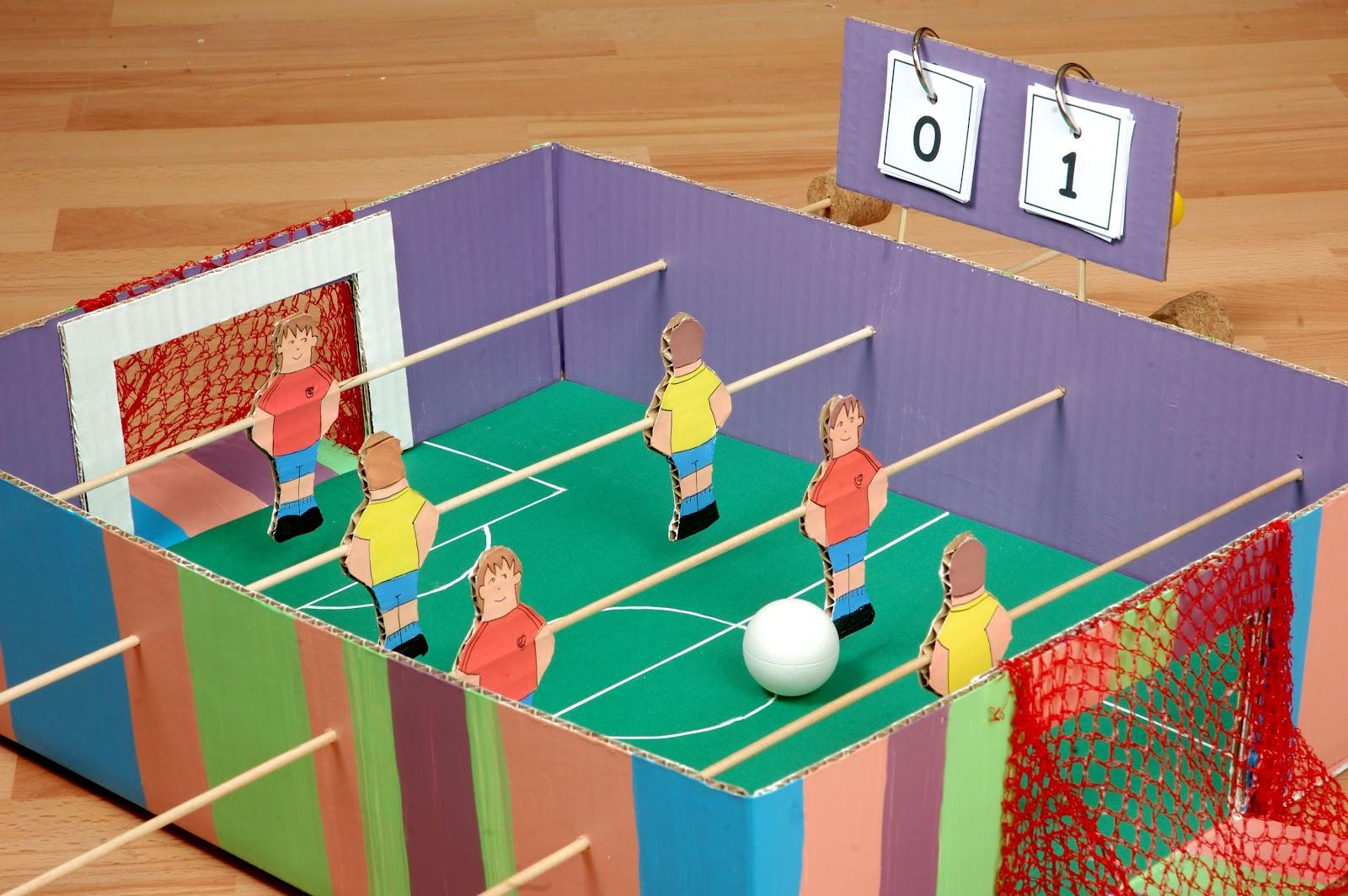 El Taller De Pepa Un Futbolin Hecho En Casa - Manualidades-con-materiales-de-casa