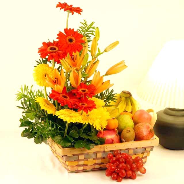 Indo Florist Katalog Parcel Buah Dengan Rangkaian Bunga